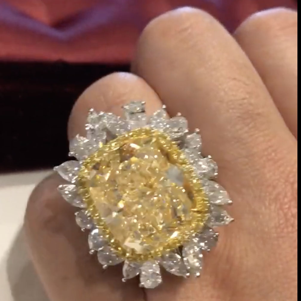 Amazing 30-carat yellow diamond ring by Beau Han Xu and Mbund