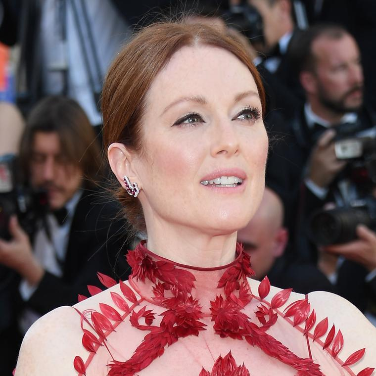 Julianne Moore in Precious Chopard high jewellery earrings at the Cannes Film Festival 2017