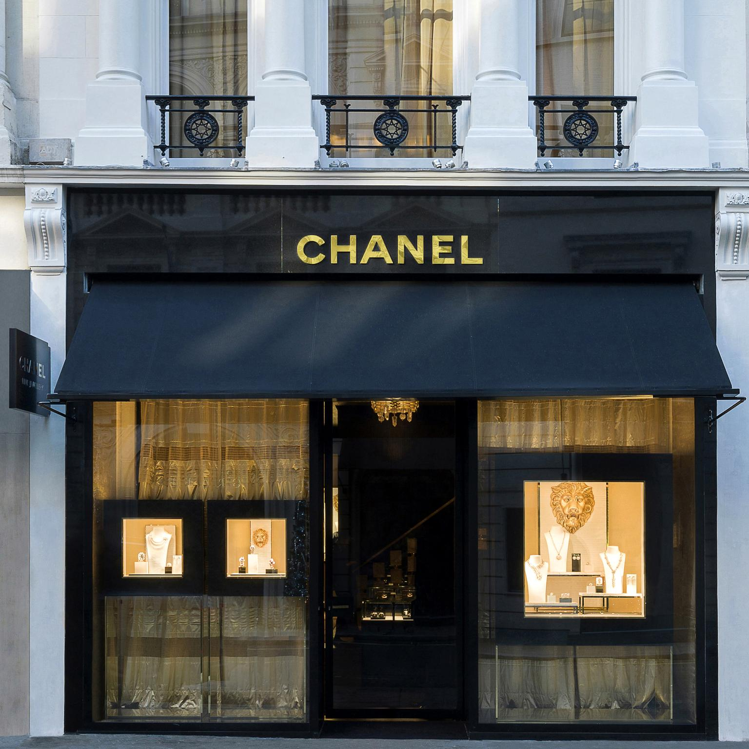 Chanel New Bond Street boutique exterior