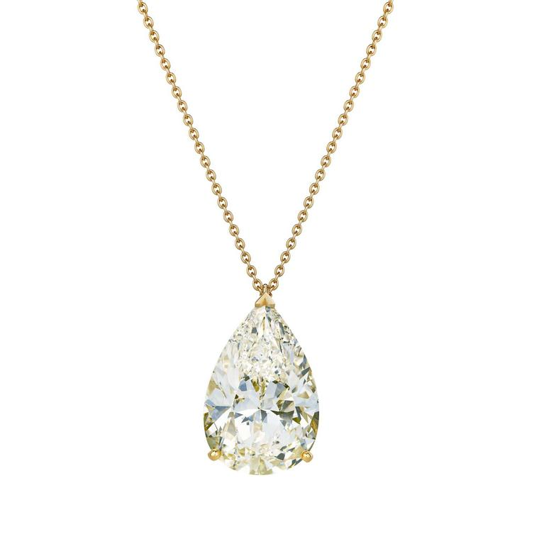 Classic De Beers yellow gold pendant with a pear-shaped 24.71 carat M colour white diamond