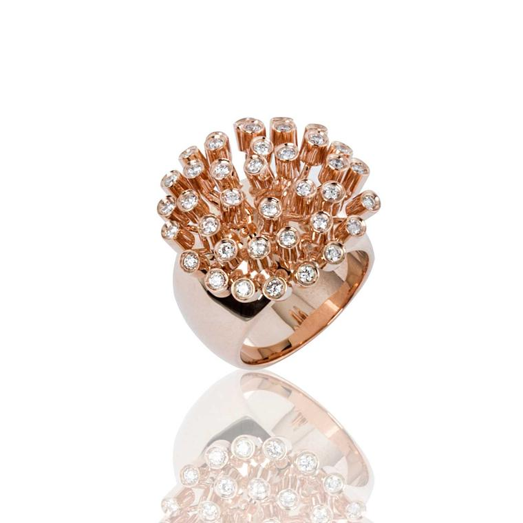Dandelion ring in pink gold with diamonds