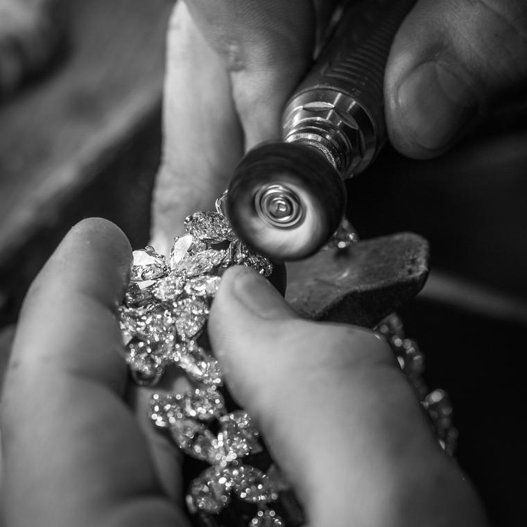 Jahan jewellery being crafted