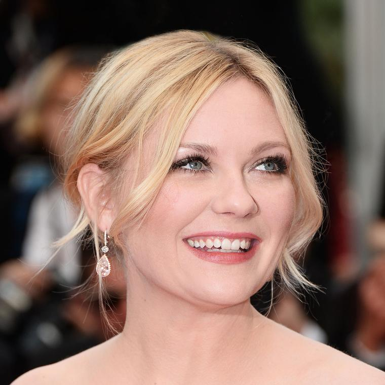 Cannes 2016 Day 10: Kirsten Dunst in Chopard earrings