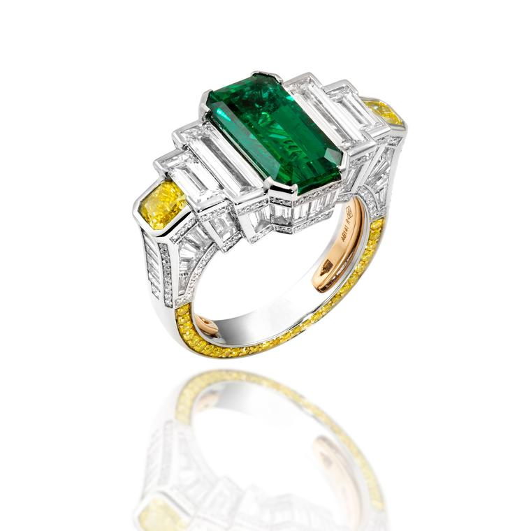 Historica Palace Frieze emerald ring in platinum