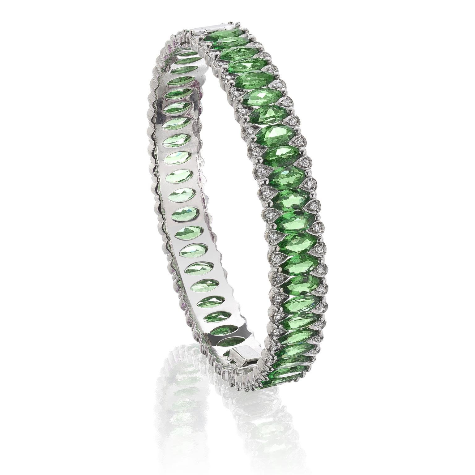 Niquesa tsavorite and diamond bangle