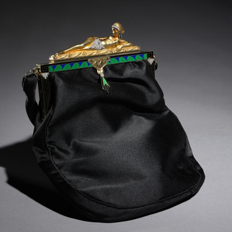 Van Cleef & Arpels silk purse circa 1920-30