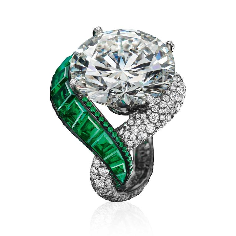 Folies emerald and diamond ring
