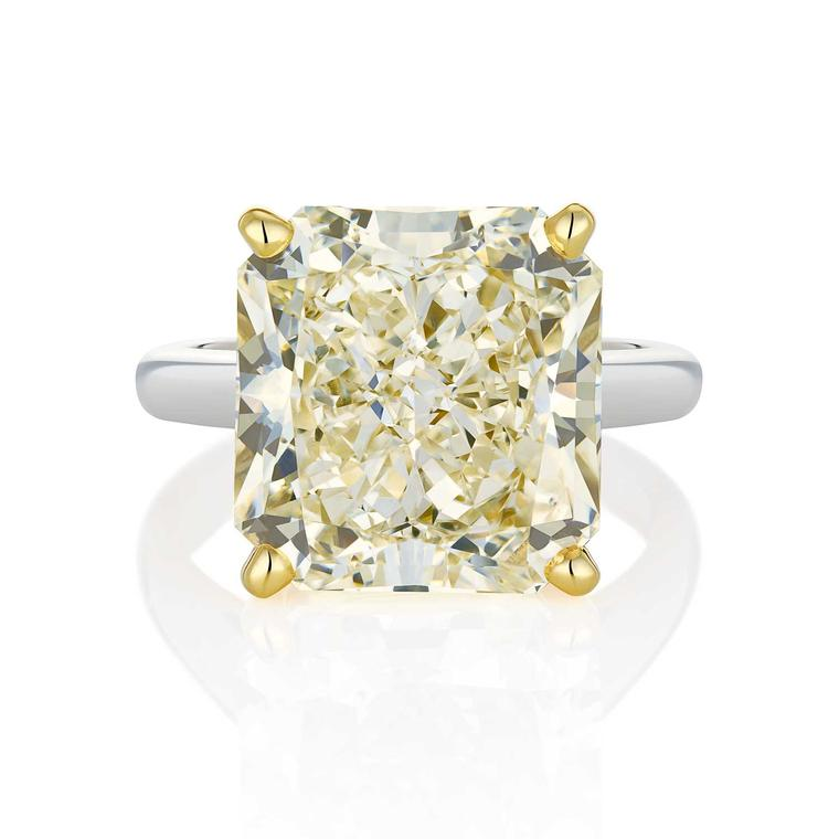De Beers 12.23ct radiant-cut V colour white diamond engagement ring