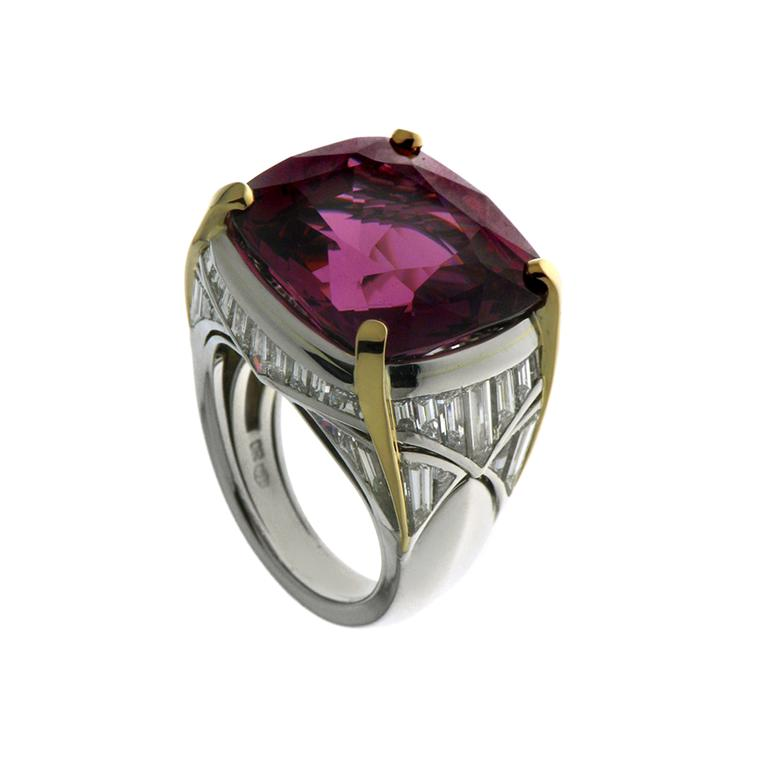 Bulgari high jewellery spinel ring worn by Ellie Goulding