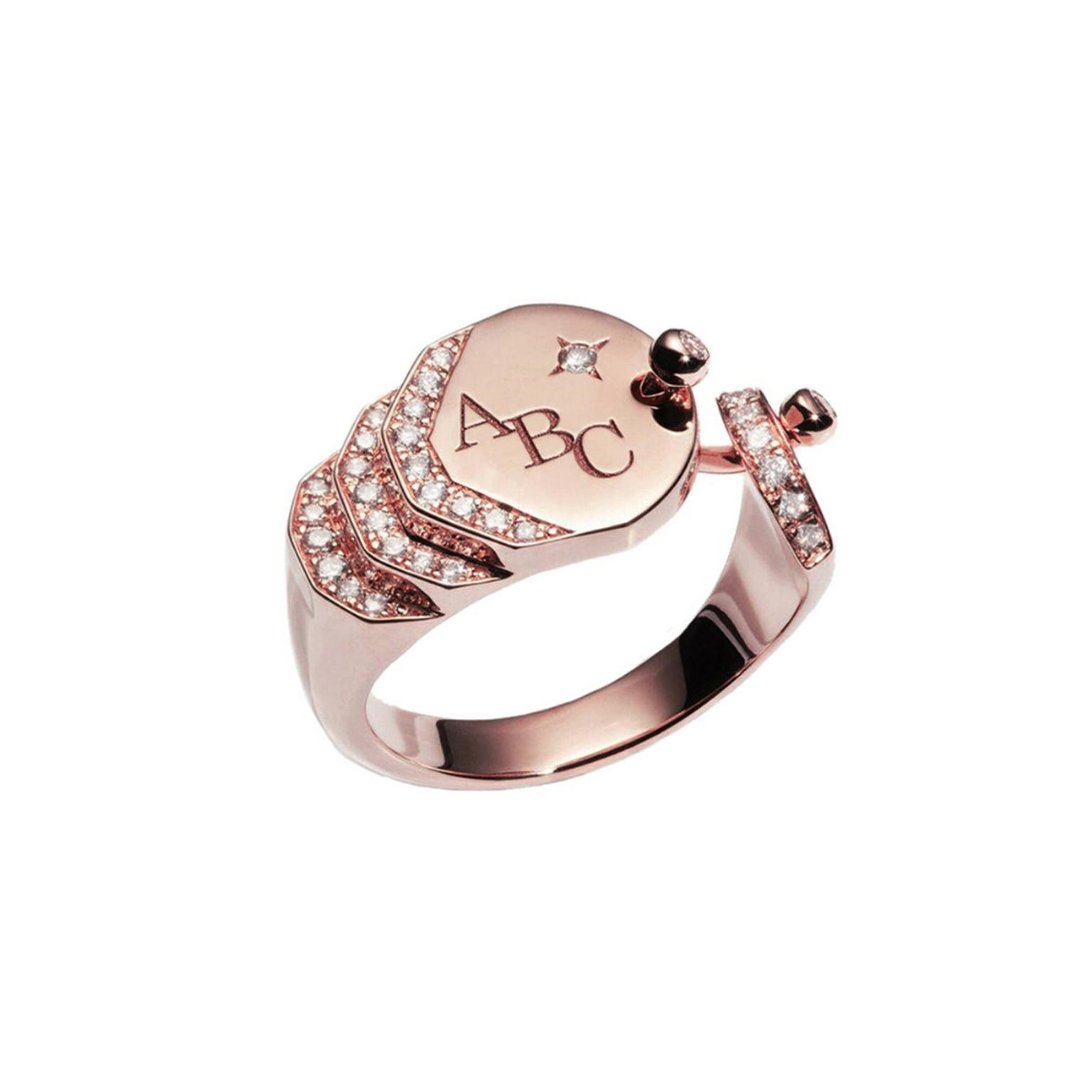 Nouvel Heritage Engraved Sparkles rose gold signet ring
