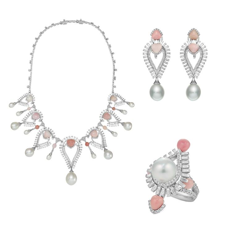 Sarah Ho Persica conch pearl necklace, earrings and ring suite