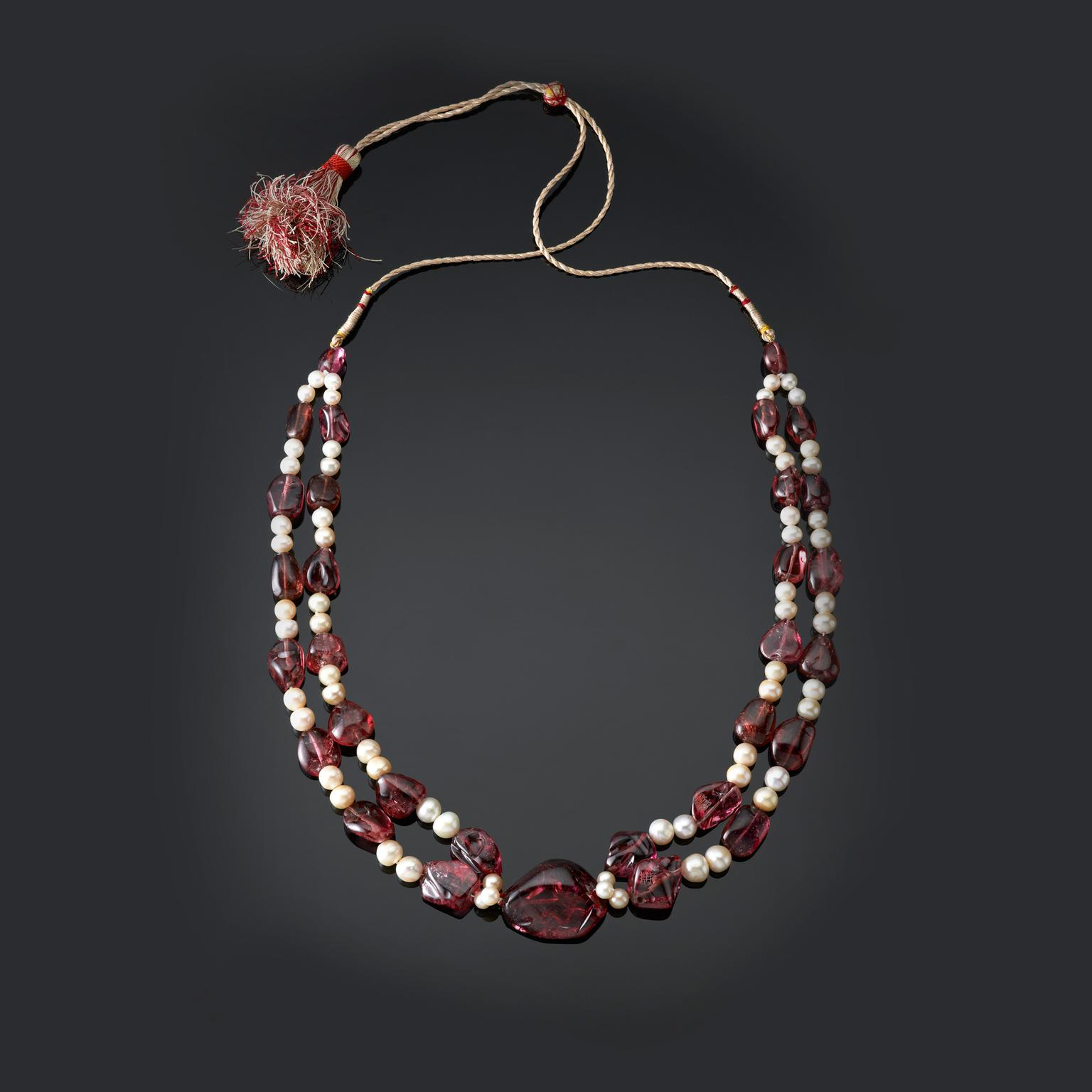 Mughal Empire spinel and pearl necklace