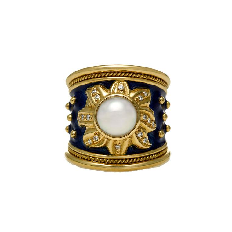 Elizabeth Gage Akoya pearl and diamond ring