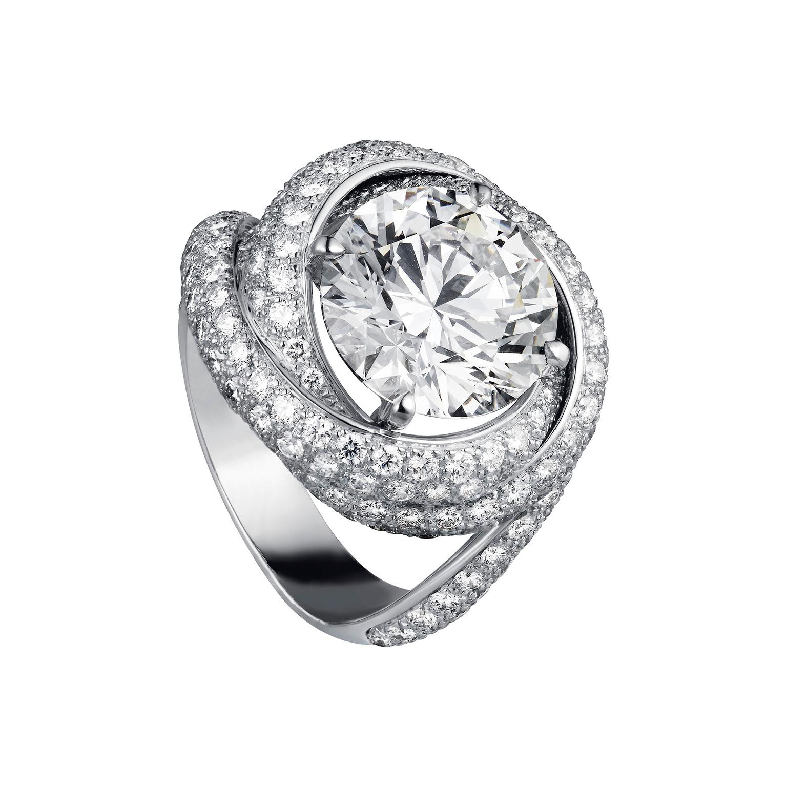 Cartier Trinity Ruban solitaire diamond ring