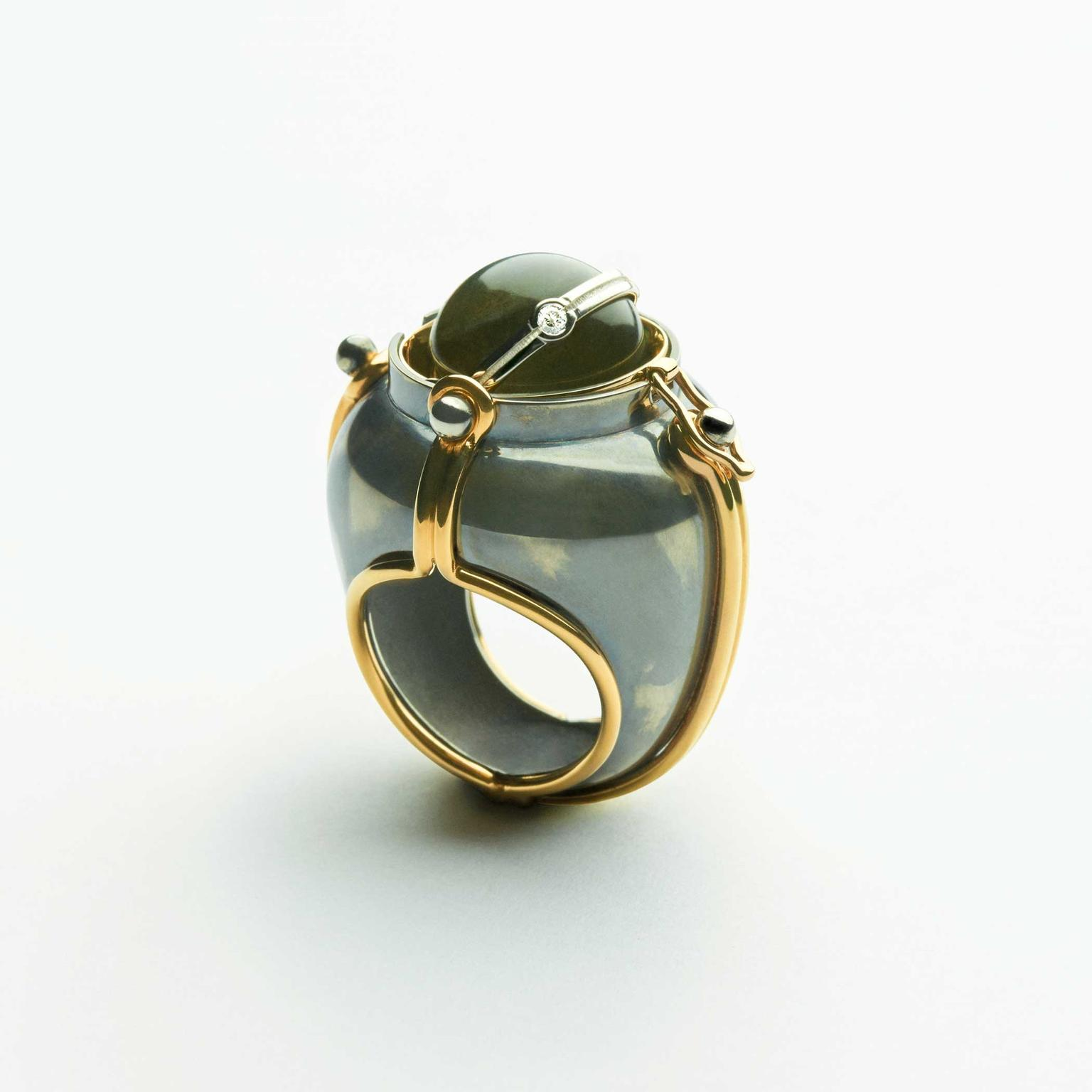 Elie Top Scaphandre onyx globe ring