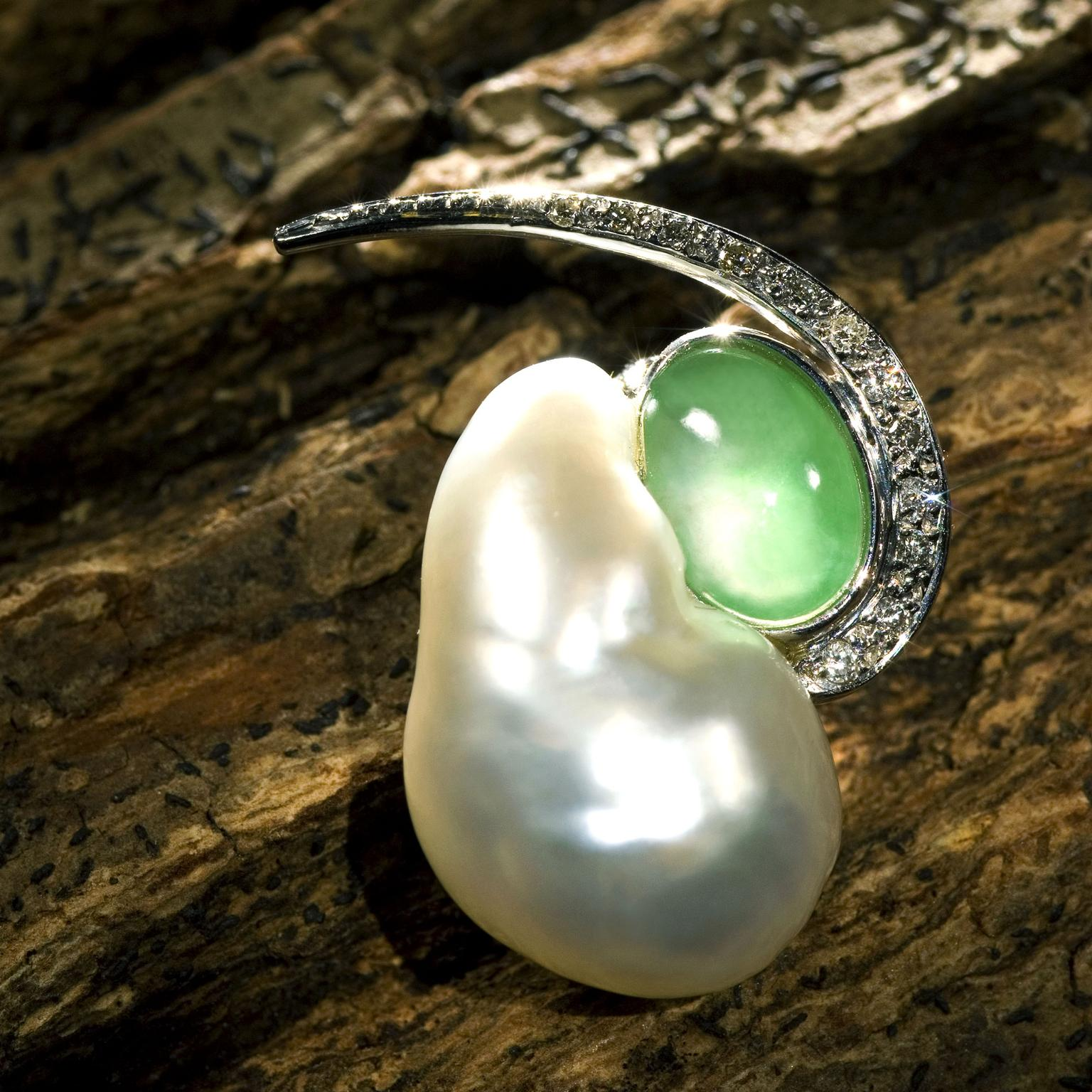 KMCdesign pearl and jade pendant