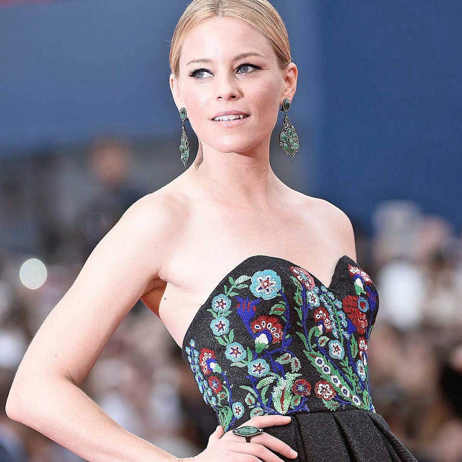 Elizabeth Banks at the Black Mass premiere wearing Sutra