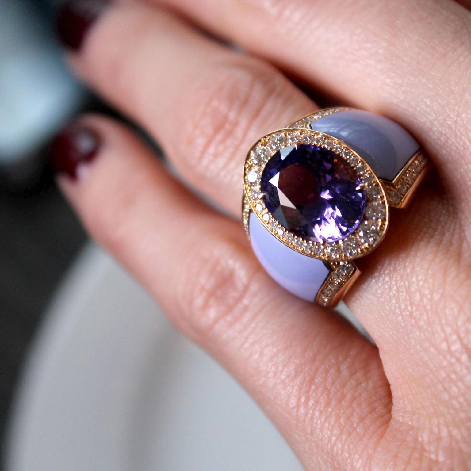 Doris Hangartner violet tanzanite ring
