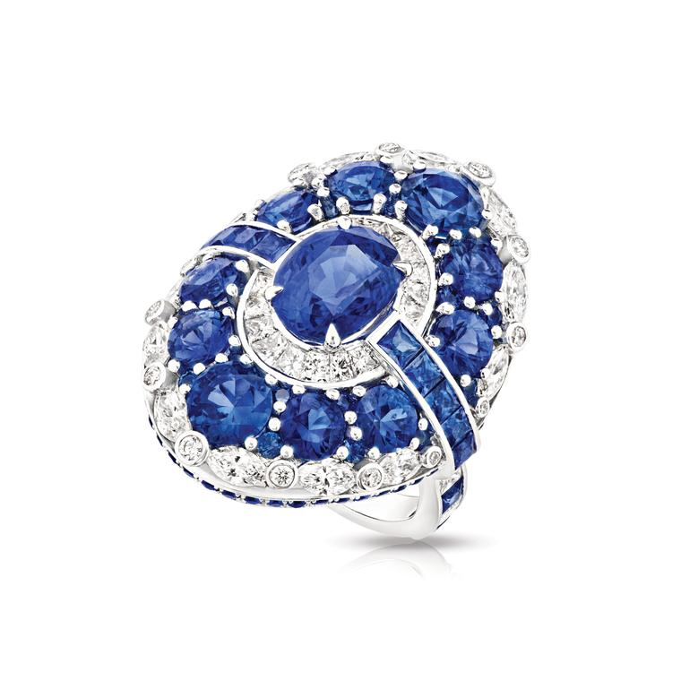 Aurora diamond and sapphire ring