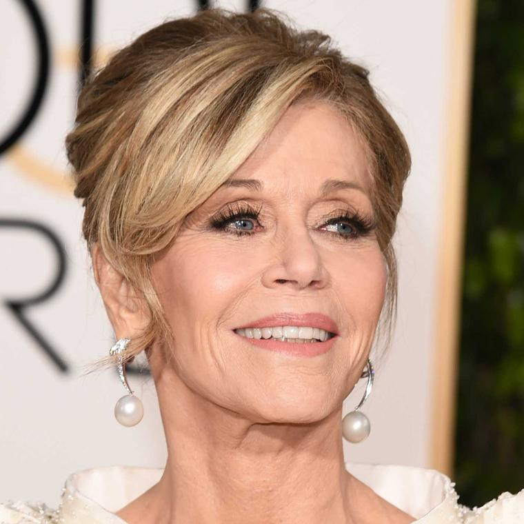 Jane Fonda wore extravagant pearl earrings by Chopard to the Golden Globes 2016