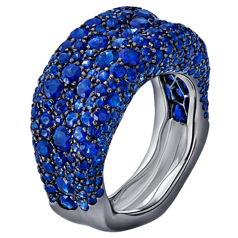 Fabergé Emotion blue sapphire thin ring