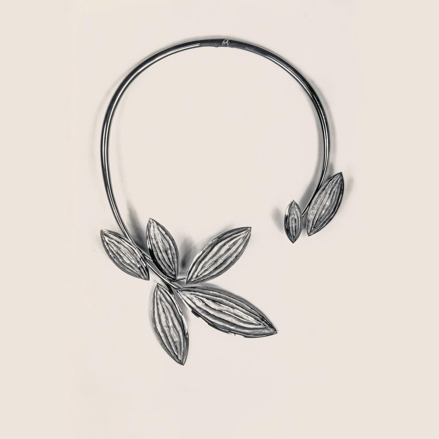 Chaumet stylised leaves necklace