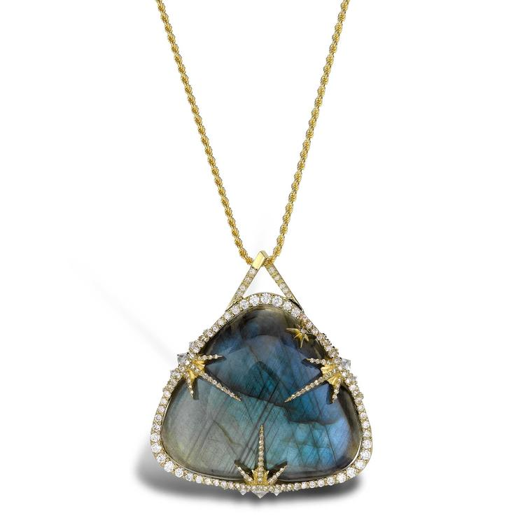 Venyx Theiya Obscura pendant in yellow gold with diamonds and labradorite