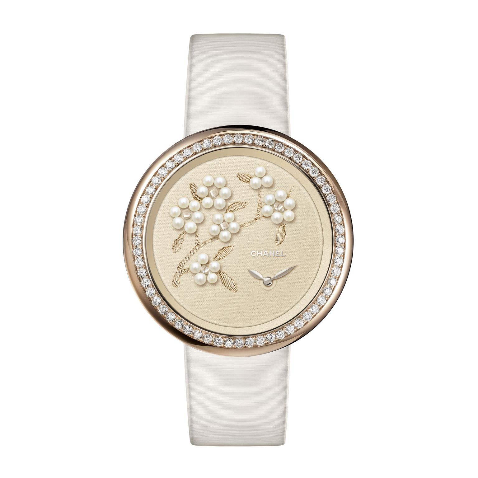 Mademoiselle priv coromandel glyptic watch chanel the jewellery editor for Pearl watches