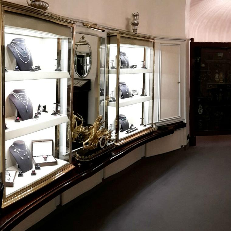 Villa jewellery boutique in Milan