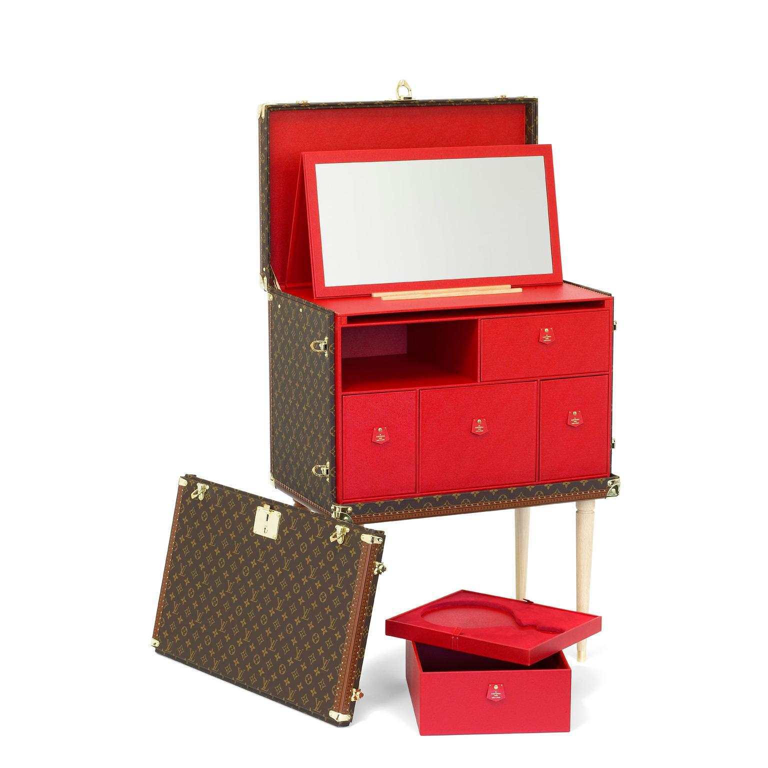 Louis Vuitton Kabuki makeup trunk in red