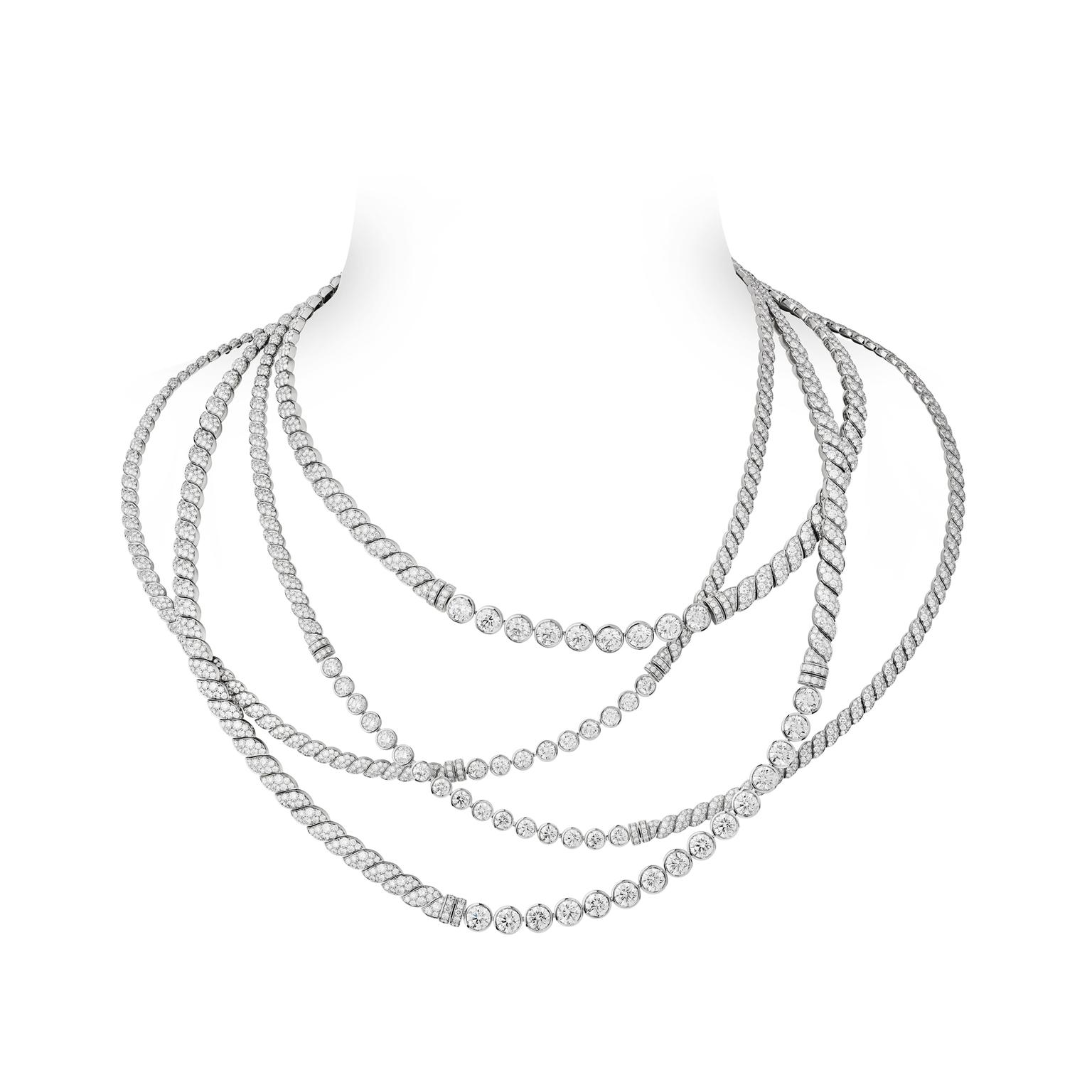 Chanel Flying Cloud Sparkling lines necklace