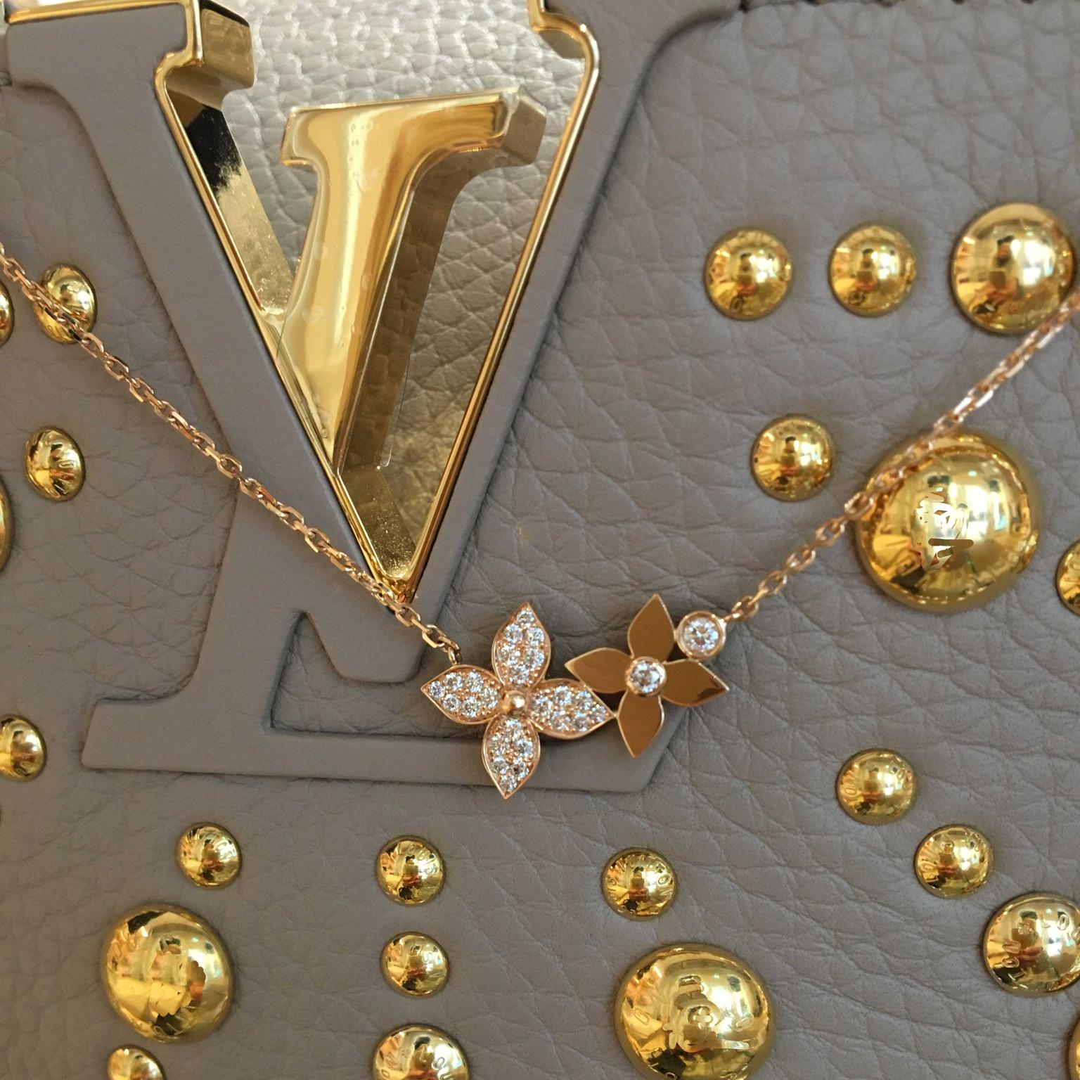 Louis Vuitton Star Blossom rose gold necklace with diamonds