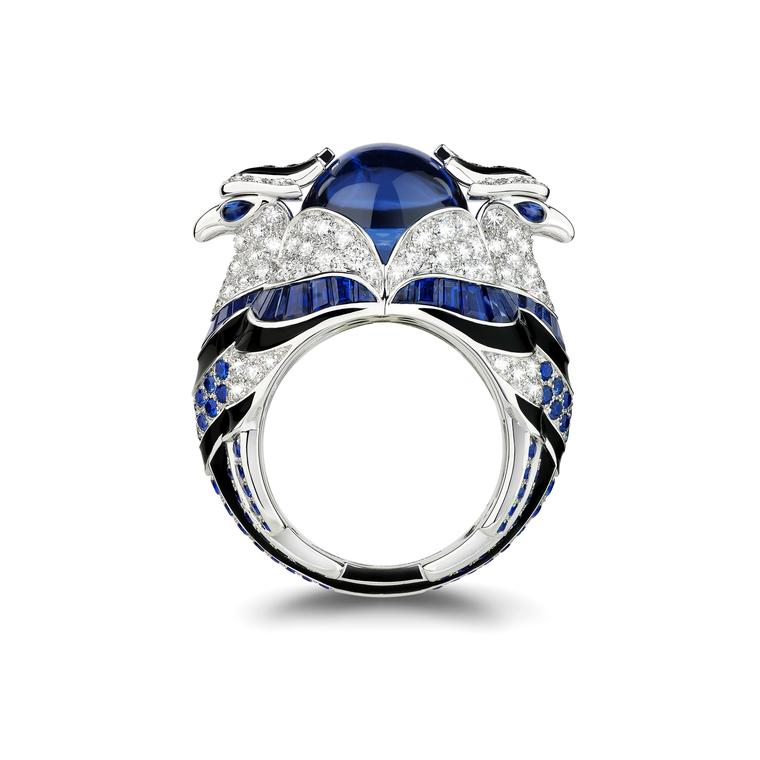 Eagle-inspired Chinha blue ring
