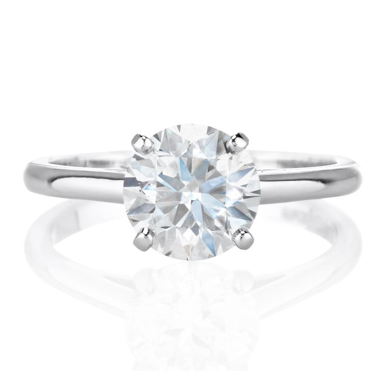 De Beers Classic 1.5ct round diamond engagement ring in platinum