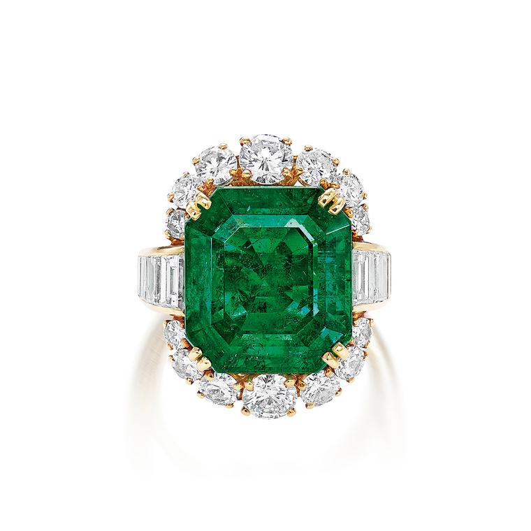 Lot 654: Emerald ring by Van Cleef & Arpels - Phillips Hong Kong Auction 5 June 2021