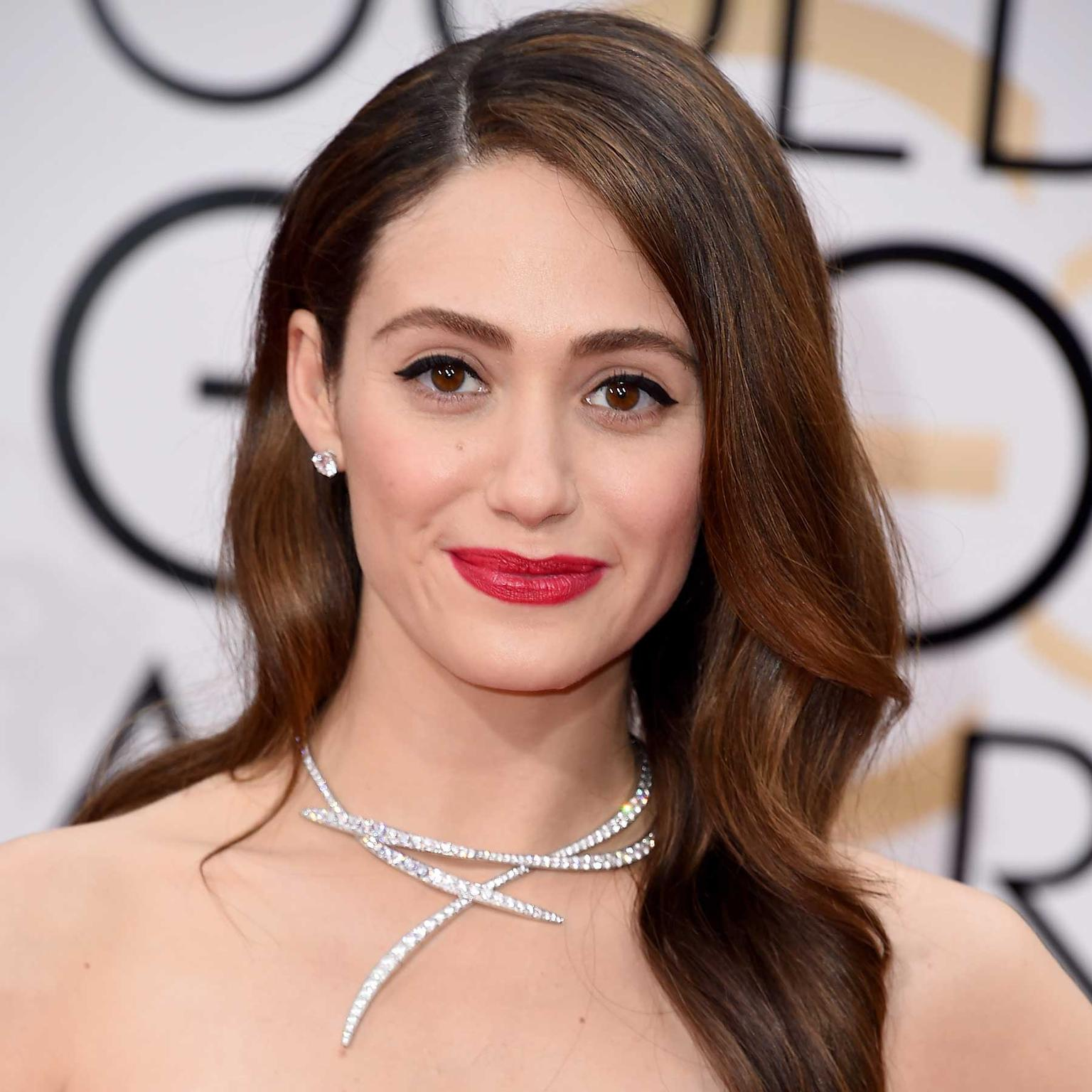 Emmy Rossum chose an asymmetrical Van Cleef & Arpels diamond necklace for the Golden Globes 2016