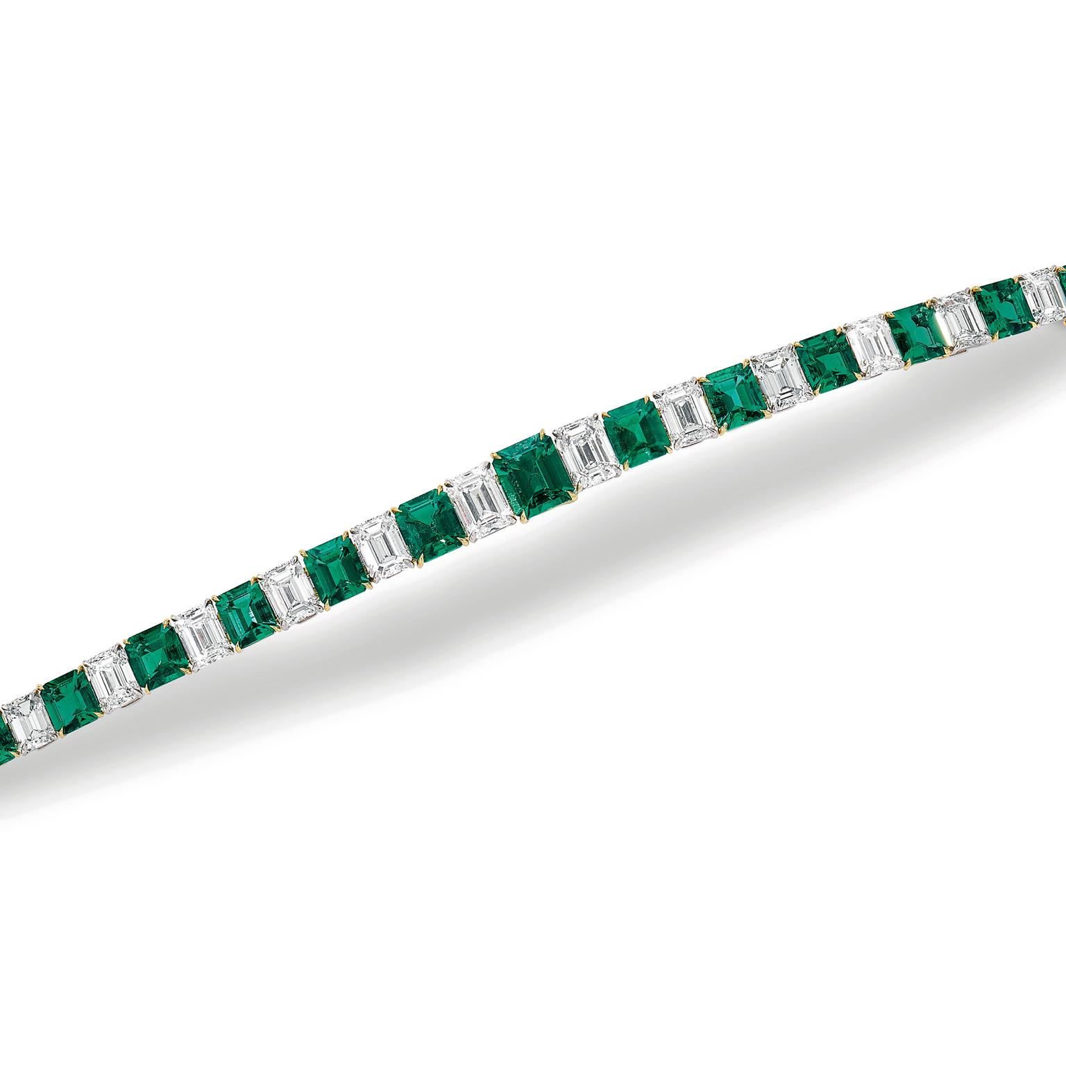 Lot 582 Emerald and diamonds bracelet Phillips auction