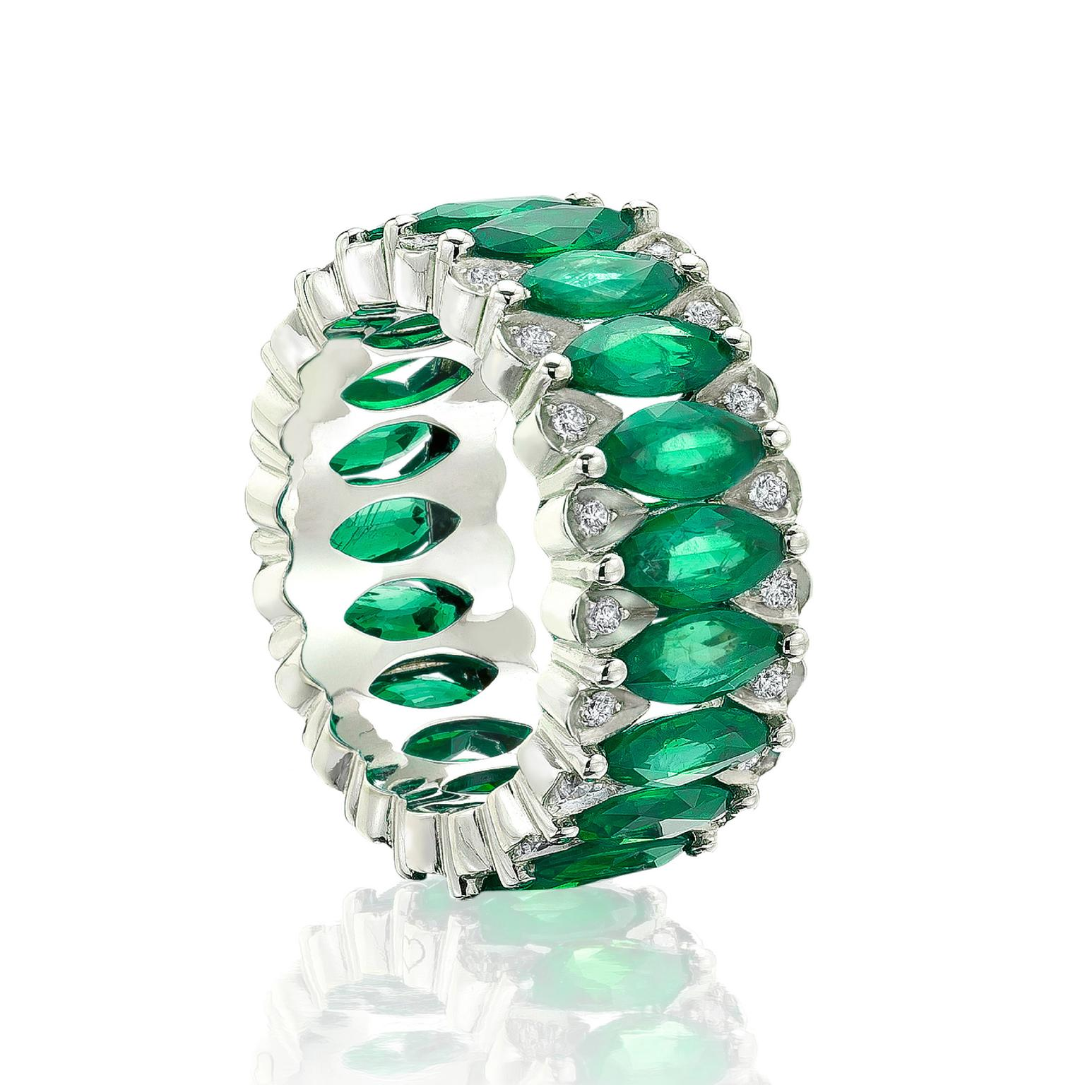 Niquesa emerald and diamond ring