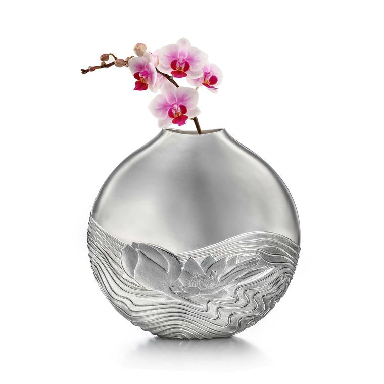 Kyosun Jung Water Lily silver vase