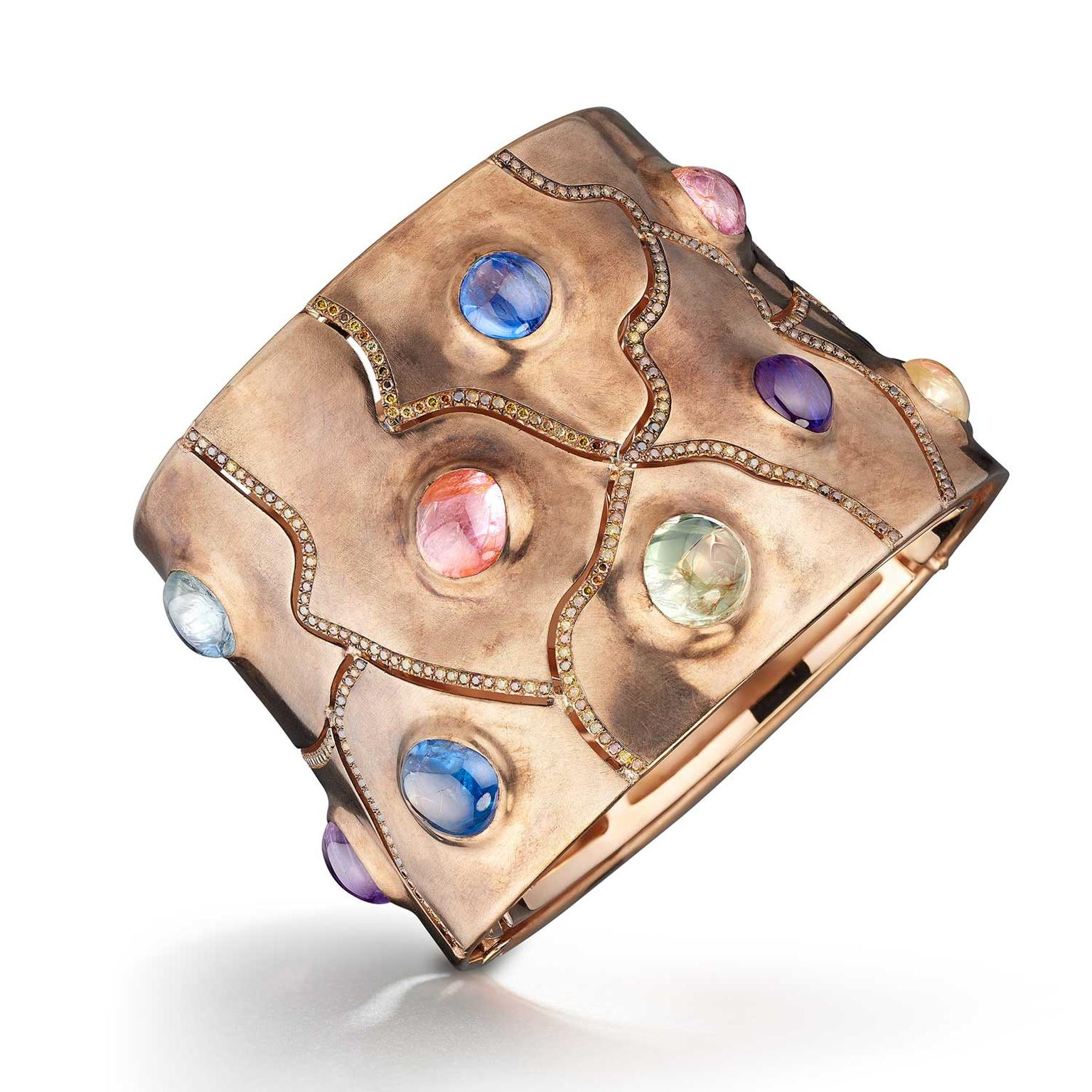 Suzanne Syz cabochon sapphire cuff in bronze and gold