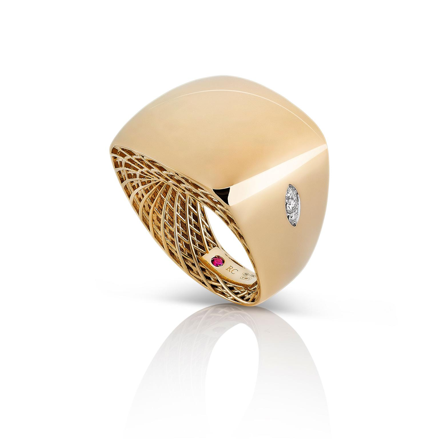 Landmark jewels Roberto Coin yellow gold ring from the Golden Gate collection