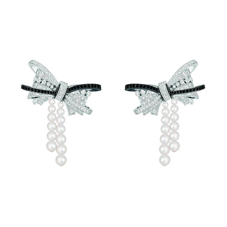 Chanel Les Intemporels earrings