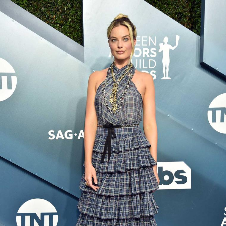Margot Robbie Chanel jewels SAG Awards 2020