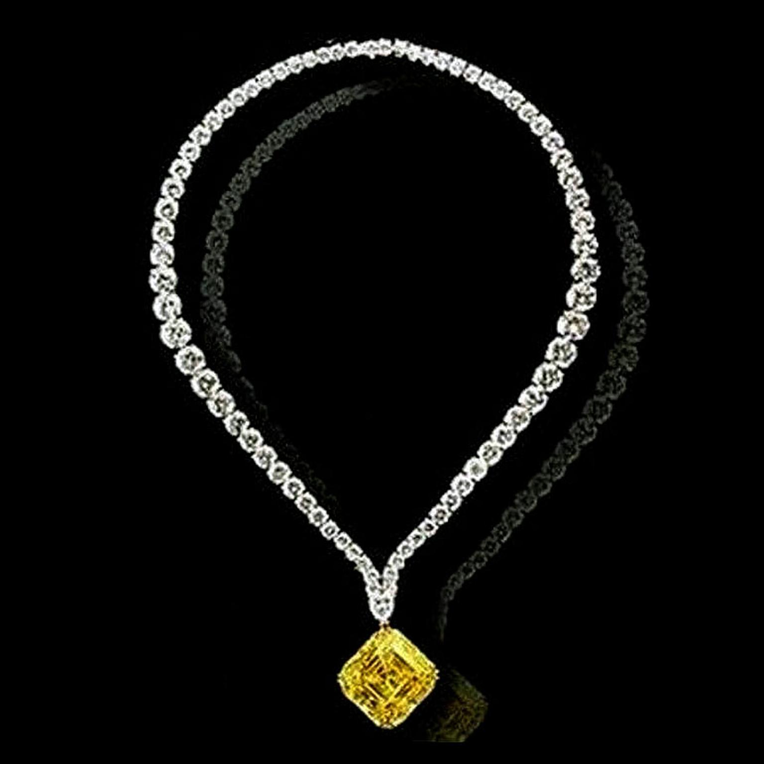 zales diamond v necklaces frame gold pendant w jewellery c t white in