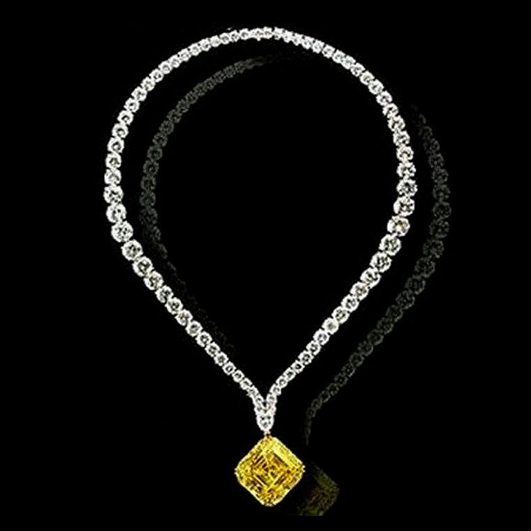 LEVIEV yellow diamond pendant