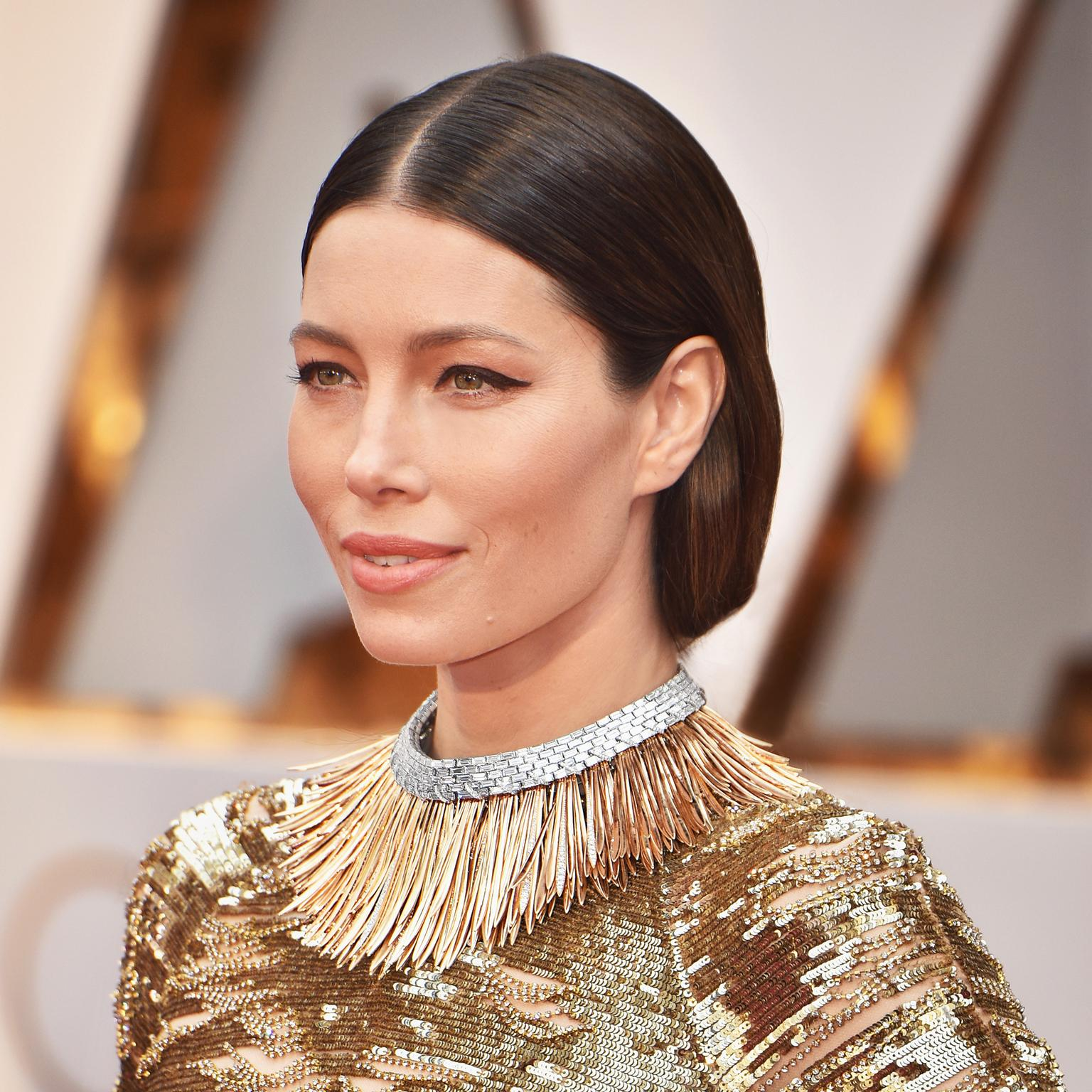 Jessica Biel at the Oscars 2017 wearing a sensational Tiffany Blue Book 2017 necklace