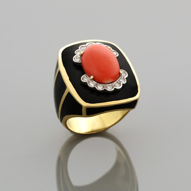 Vintage David Webb coral ring gold, diamond, coral and enamel ring circa 1970