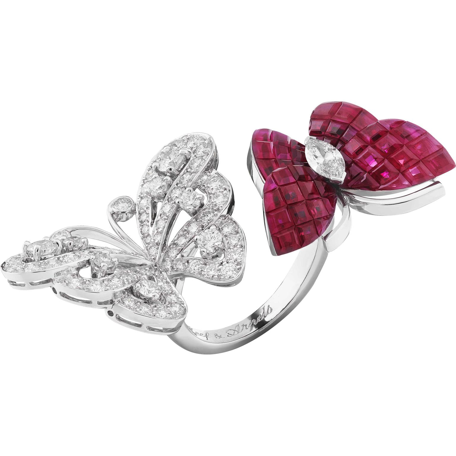 Van Cleef Arpels Flying Butterfly between the finger ring