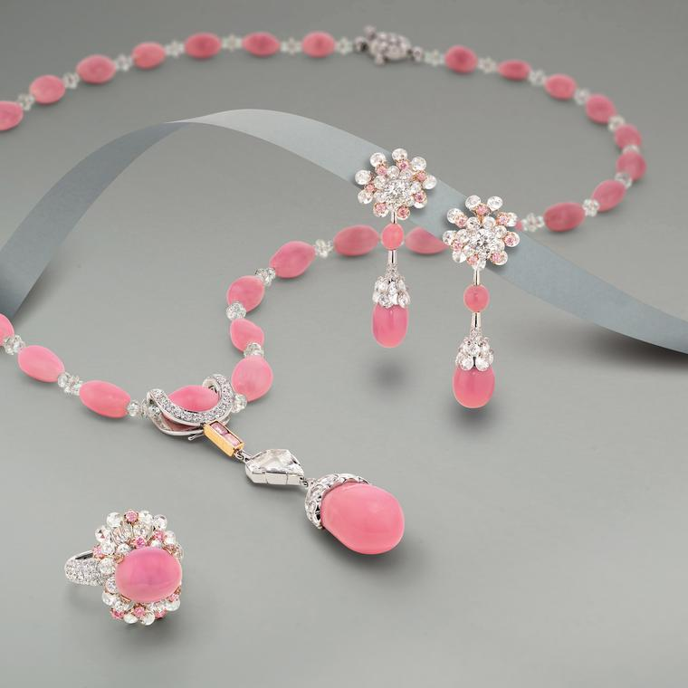 Lot 541: Necklace from Karen Suen presented at Phillips Live Auction on 8 July 2020.