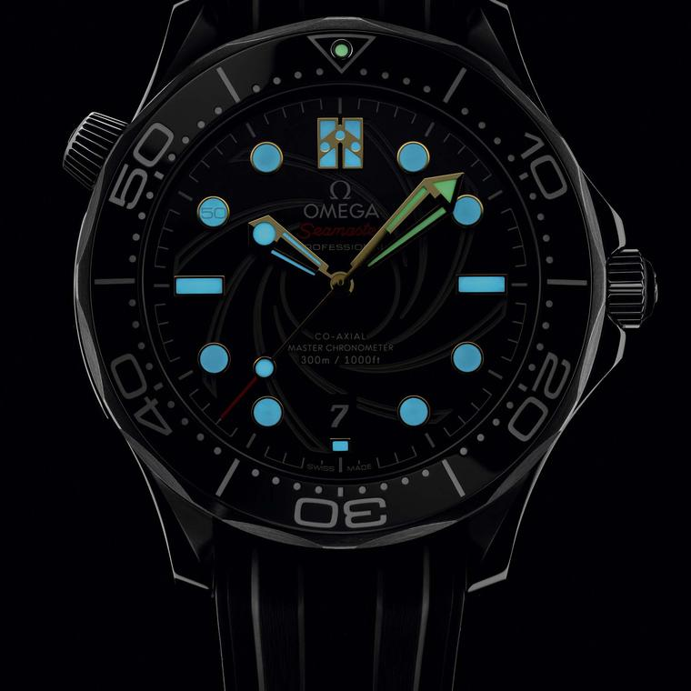 Omega Seamaster Diver 300M glow in the dark